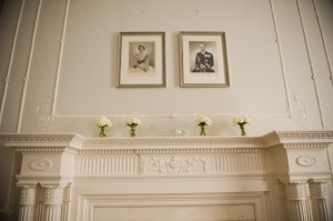 Mantel-with-White-Flowers-Wedding-Decor