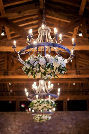 Chandeliers-with-Wreath-Decor