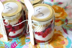Cupcakes in a Jar DIY Wedding Favor Ideas