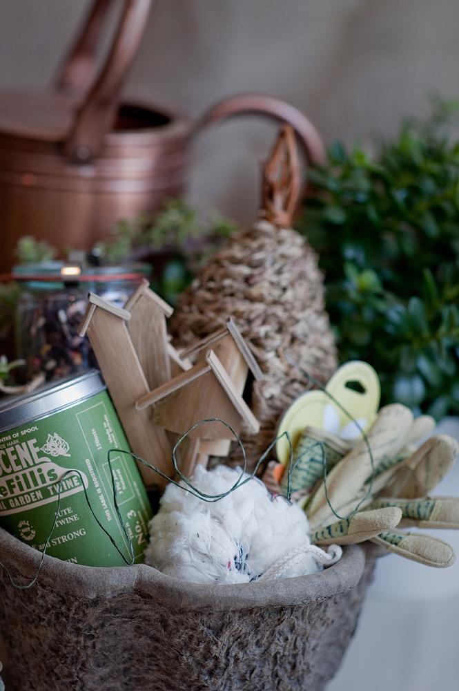 Motheru0027s Day Gift Ideas Gardening Gift Basket   Elizabeth Anne Designs: The  Wedding Blog
