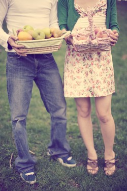 Vintage Picnic Engagement Session Brooklyn Maggie Harkov-08