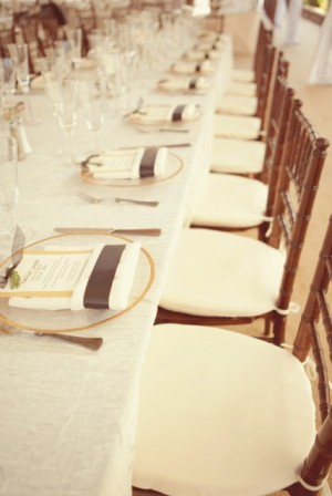Elegant-Brown-and-White-Wedding-Table