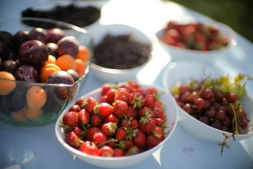 Fresh Seasonal Fruit Bar