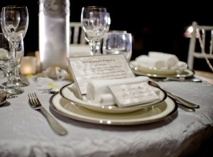 Silver-and-White-Winter-Place-Setting