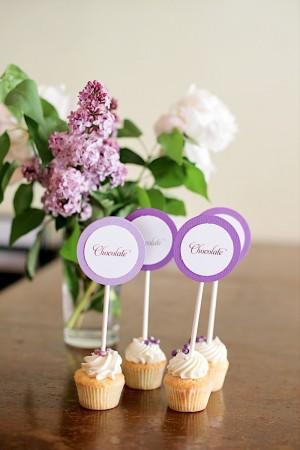 Unique Escort Card Ideas Cupcakes-08
