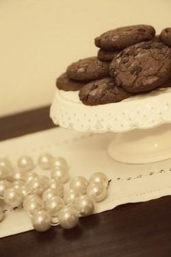 Vintage Wedding Dessert Display-2