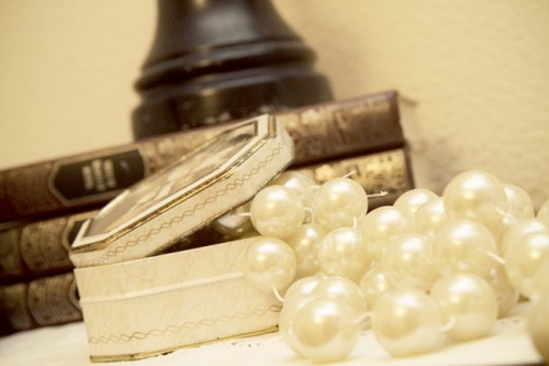 Vintage Wedding Ideas Incorporating Family Heirlooms-05