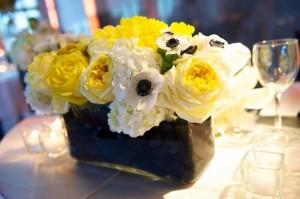 Yellow-Rose-and-Hydrangea-Centerpiece