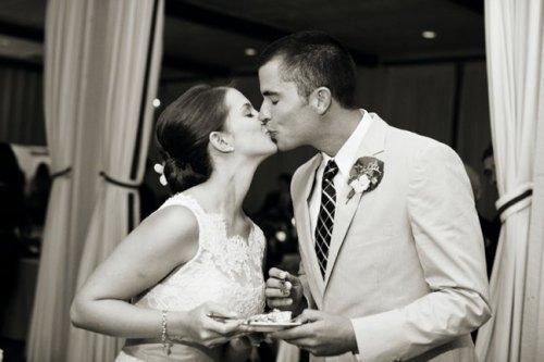 cake-cutting-kiss