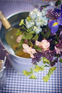 Casual-Garden-Wedding-Centerpiece