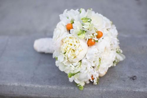 Cream-Peony-Bouquet
