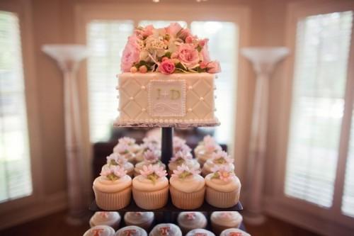 Cupcake-and-Mini-Cake-Stand