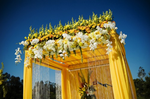 Elaborate-Yellow-Ceremony-Arch