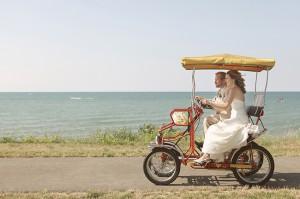 Vintage-Golf-Cart-Wedding