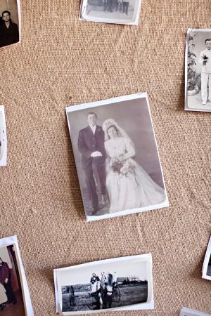 Vintage-Wedding-Photo-Display