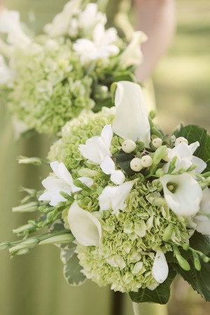 White-and-Green-Hydrangea-and-Calla-Lilly-Bouquet