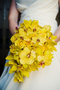 Yellow-Cascade-Orchid-Bouquet