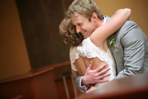 bride&groom_first_look