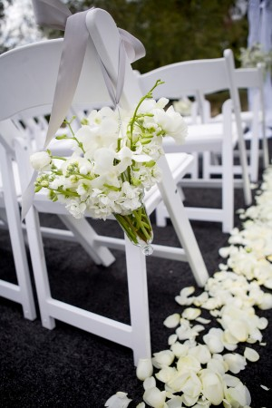 Aisle-Chair-Flower-Posies-Wedding