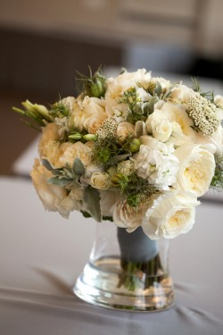 Cream-and-Green-Bouquet