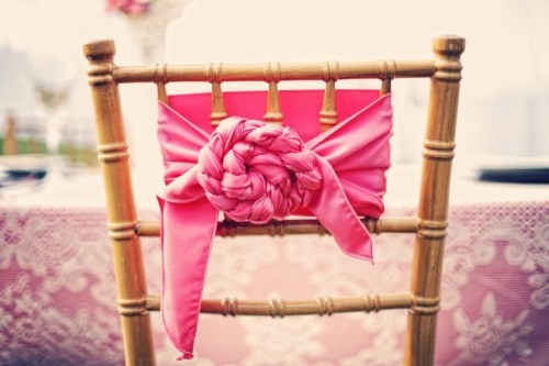 Creative-Knotted-Chair-Wrap