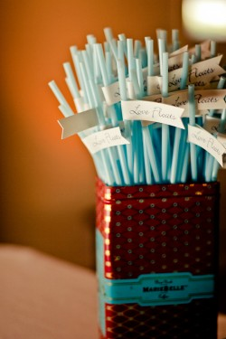 Flag-Straws-and-Decor