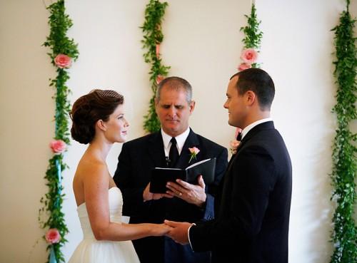 Floral-Garland-Ceremony-Backdrop