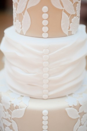 Fondant-Button-Wedding-Cake
