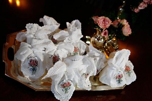 Handkerchief-Wedding-Gifts