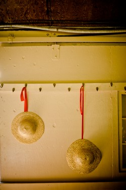 Hanging-Straw-Hats