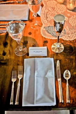 Lace-and-Crystal-Table-Decor