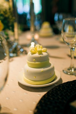 Miniature-Wedding-Cake-Favor