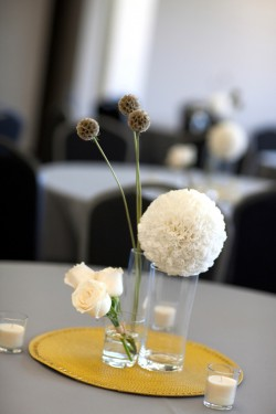 Modern-White-and-Yellow-Centerpiece