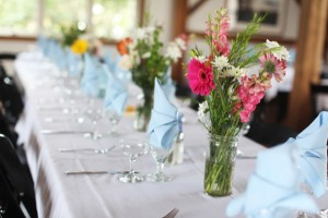 Pink-Wildflower-Centerpieces