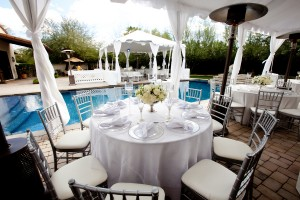 Poolside-Wedding-Reception