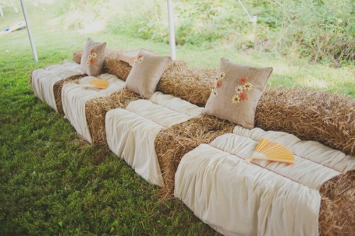 Rustic-Wedding-Seating-Hay-Bales