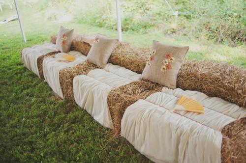 Rustic-Wedding-Seating-Hay-Bales