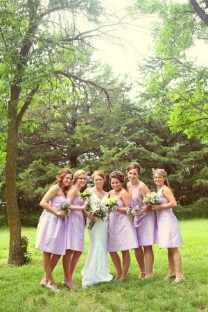 bridesmaids_lavender_dresses