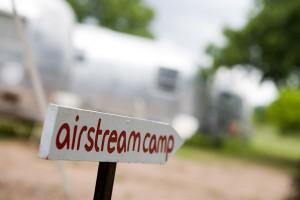 Airstream-Camp-Wedding
