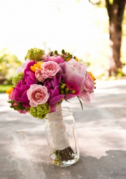 Bouquet-in-Mason-jar