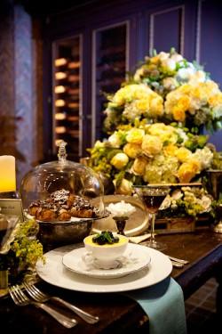 Elegant-Brown-Yellow-Green-Table-Ideas-45