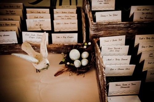 Escort-Cards-in-Wood-Trays