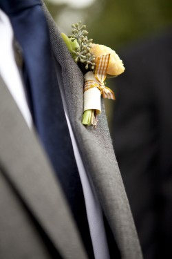 Gingham-Boutonniere