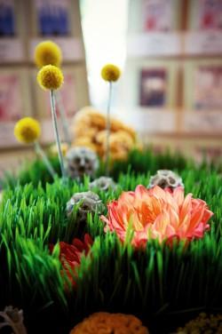 Grass-and-Dahlia-Centerpiece