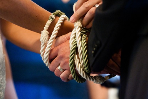 Hand-Tying-Ceremony