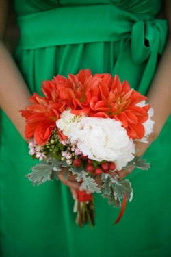 red bouquets green bridesmaids dresses