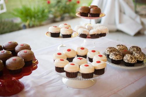 wedding cupcakes sprinkles