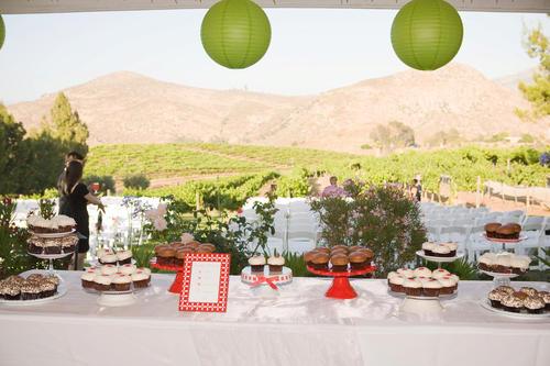 sprinkles cupcakes wedding