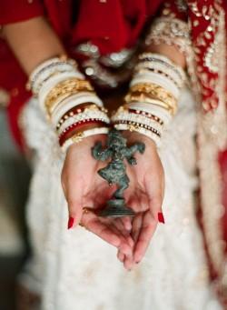 Indian-Wedding-Attire-Elizabeth-Messina-05