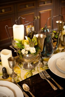 Silver-and-Yellow-Vintage-Table-Wedding-Ideas